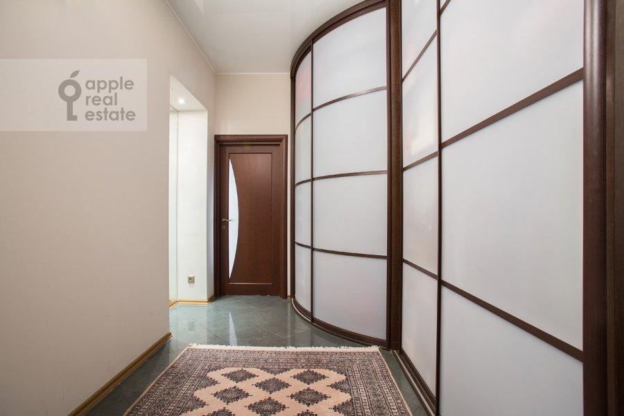 Коридор в 3-комнатной квартире по адресу Цветной бульвар 22с4