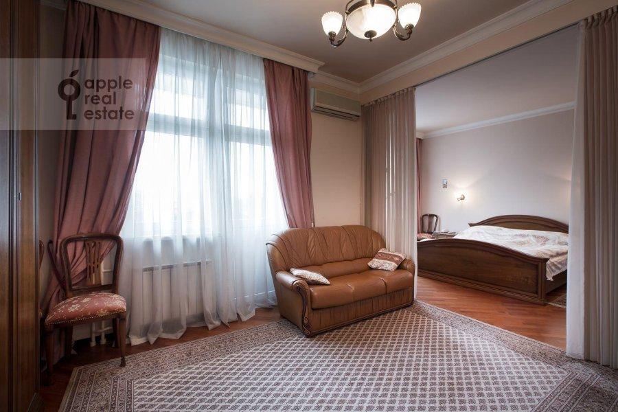 Спальня в 4-комнатной квартире по адресу Тверской бульв. 16с5