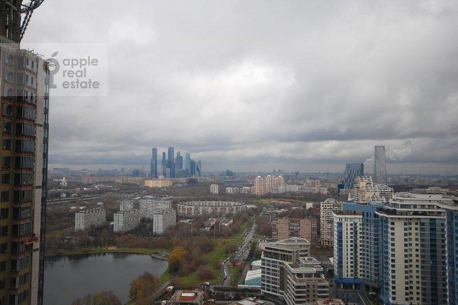 Вид из окна в 4-комнатной квартире по адресу Мосфильмовская ул. 70к1