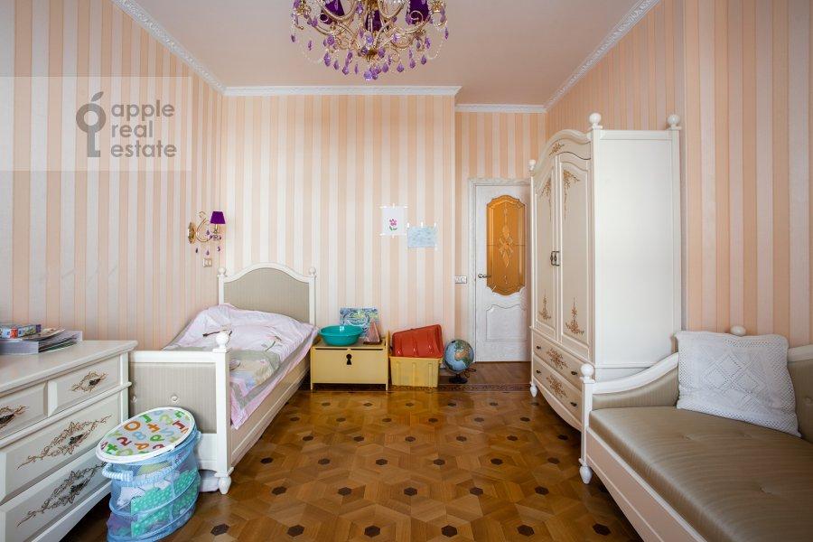 Children's room / Cabinet of the 4-room apartment at Lomonosovskiy prospekt 25k1