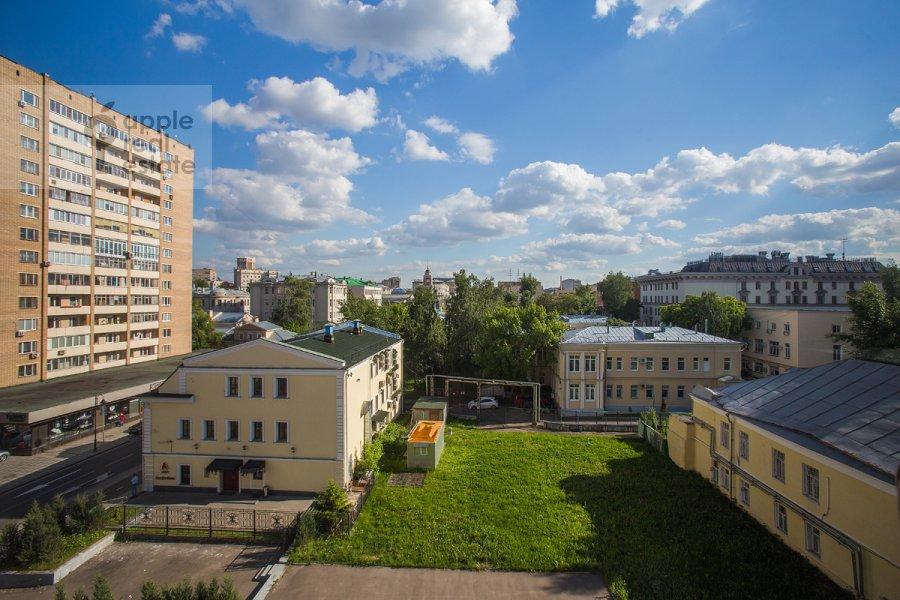 Вид из окна в 4-комнатной квартире по адресу Голиковский пер. 15