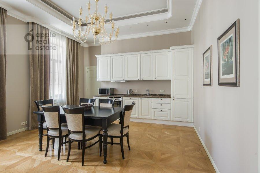 Kitchen of the 4-room apartment at Sadovaya Bol'shaya ul. 10