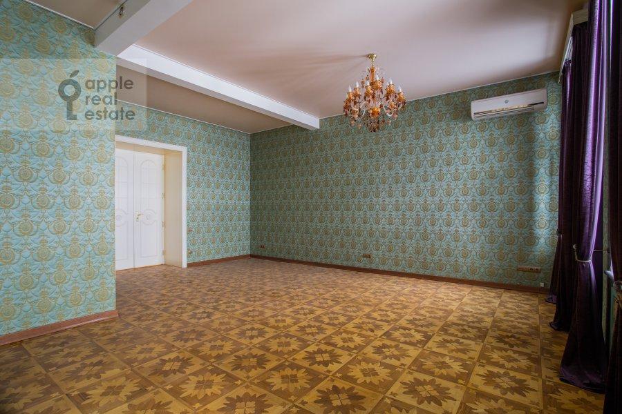 Bedroom of the 6-room apartment at Myasnitskaya ul. 24/7s1