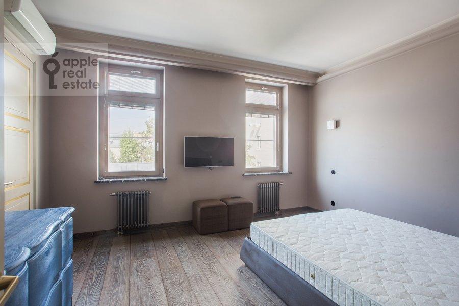 Спальня в 4-комнатной квартире по адресу Патриарший Большой пер. 4
