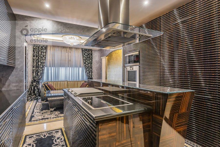 Kitchen of the 4-room apartment at 1-y Smolenskiy pereulok 17
