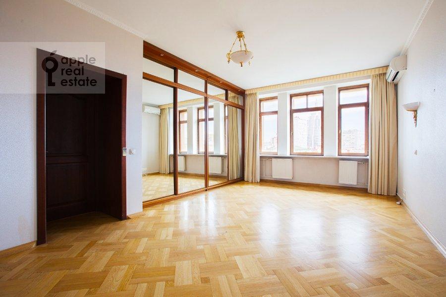 Bedroom of the 5-room apartment at Tverskaya ul 28k2