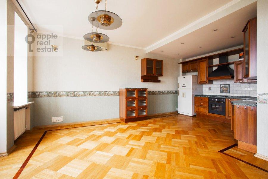 Kitchen of the 5-room apartment at Tverskaya ul 28k2