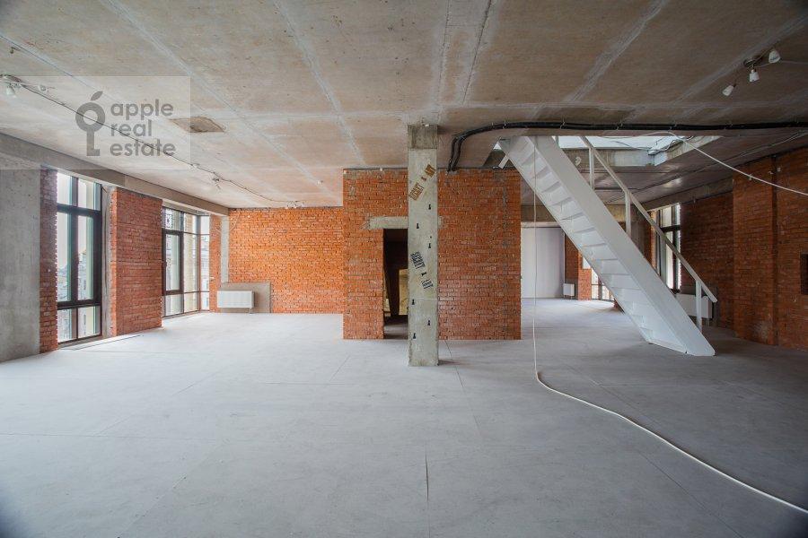 Living room of the studio apartment at Bol'shoy Afanas'evskiy pereulok 28