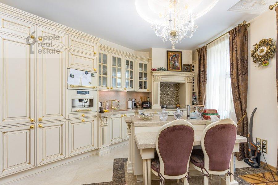 Kitchen of the 4-room apartment at Kolokol'nikov per. 24c3