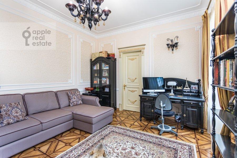 Bedroom of the 4-room apartment at Kolokol'nikov per. 24c3