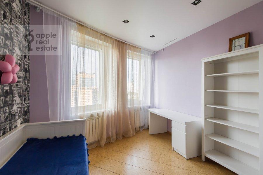 Children's room / Cabinet of the 5-room apartment at Vernadskogo pr-t, 94k1