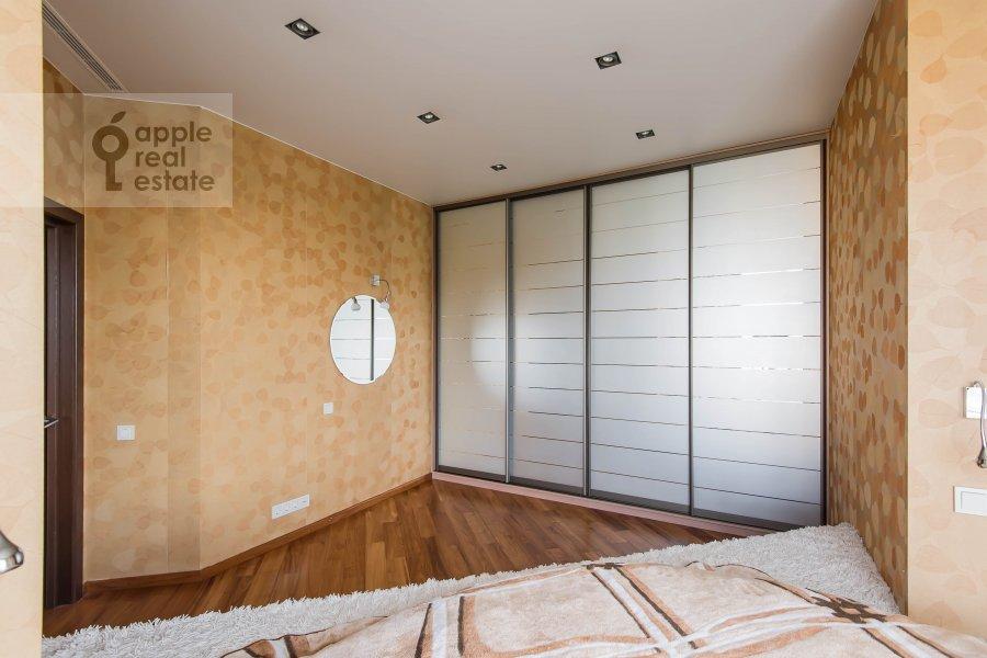 Bedroom of the 5-room apartment at Vernadskogo pr-t, 94k1