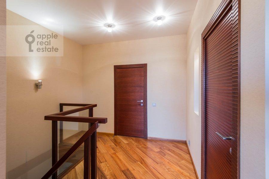 Corridor of the 5-room apartment at Vernadskogo pr-t, 94k1