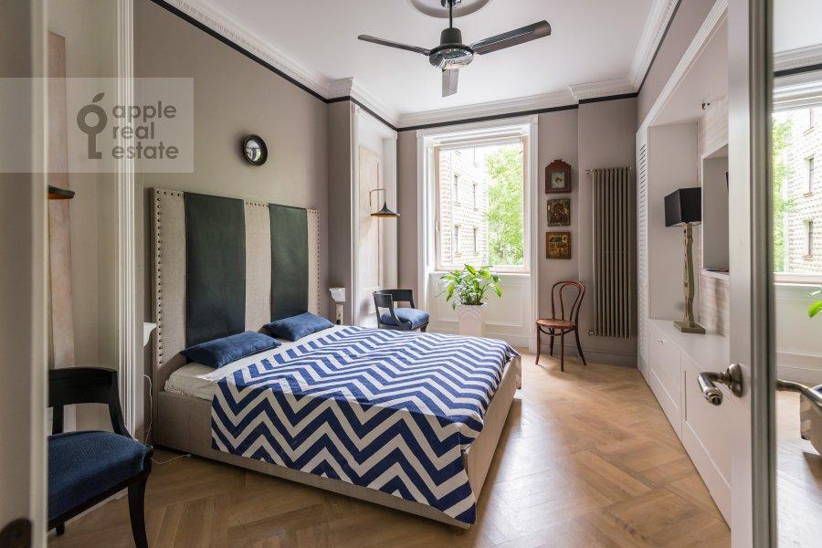 Спальня в 4-комнатной квартире по адресу Новопесчаная ул. 20/10к1