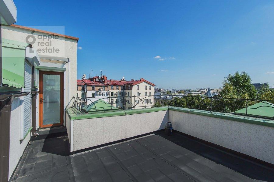 Balcony / Terrace / Loggia of the 3-room apartment at Sechenovskiy per. 2