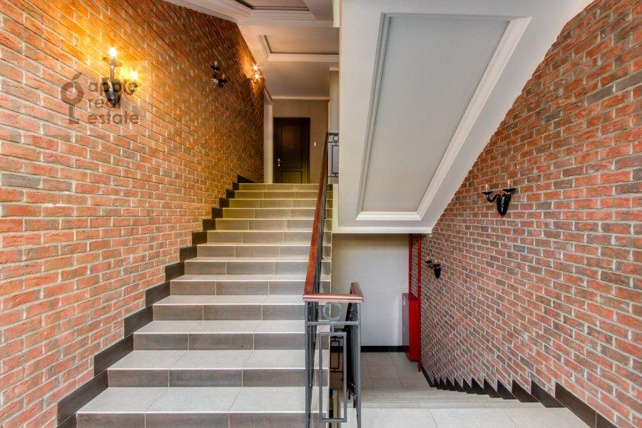 Гостиная в 2-комнатной квартире по адресу Комсомольский проспект 42с2
