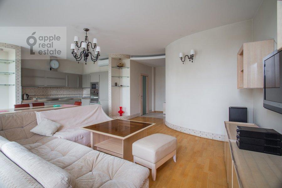 Living room of the 2-room apartment at Krylatskaya ulitsa 45k1