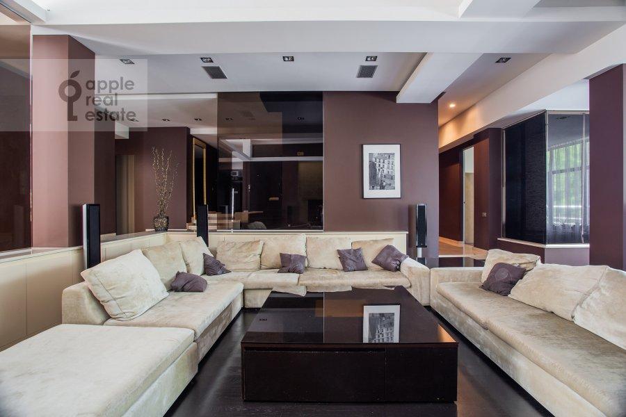 6-room apartment at Ostrovnoy proezd 6