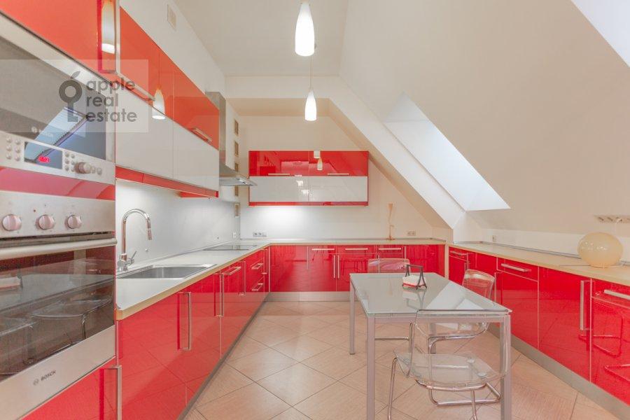 Kitchen of the 5-room apartment at Varsonof'evskiy per. 6