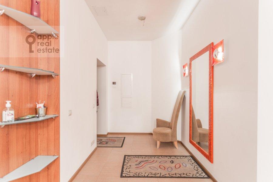 Corridor of the 5-room apartment at Varsonof'evskiy per. 6