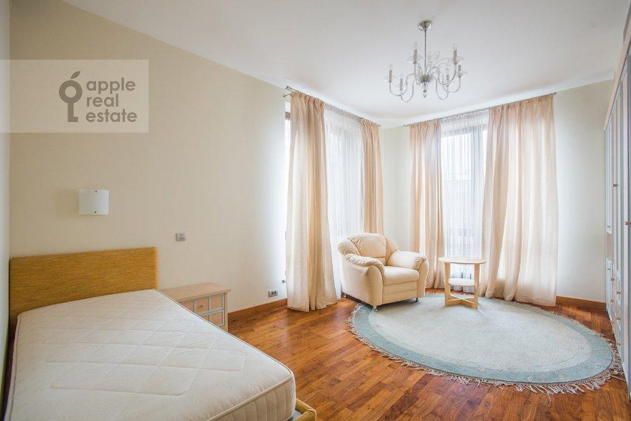 Спальня в 5-комнатной квартире по адресу Зачатьевский 1-й пер. 5