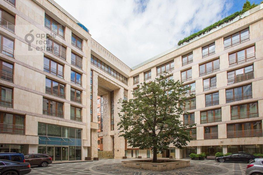 Фото дома 5-комнатной квартиры по адресу Зачатьевский 1-й пер. 5