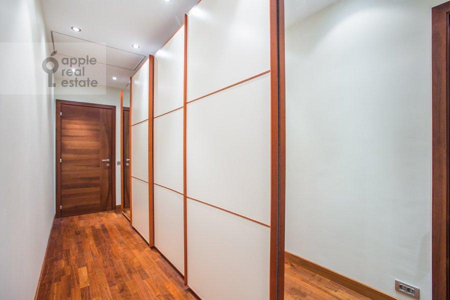 Коридор в 5-комнатной квартире по адресу Зачатьевский 1-й пер. 5