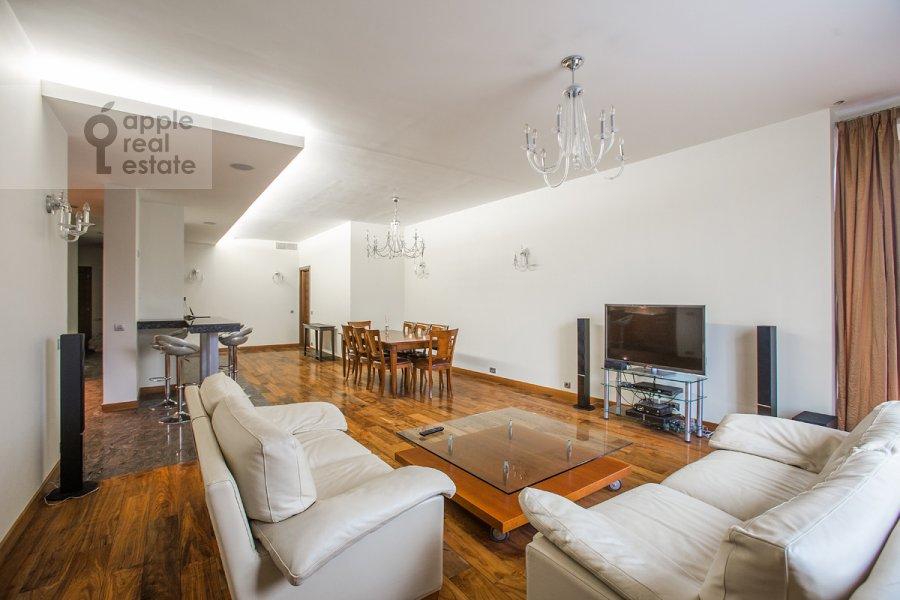 Гостиная в 5-комнатной квартире по адресу Зачатьевский 1-й пер. 5