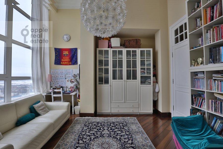 Children's room / Cabinet of the 6-room apartment at Ivan'kovskoe shosse 5