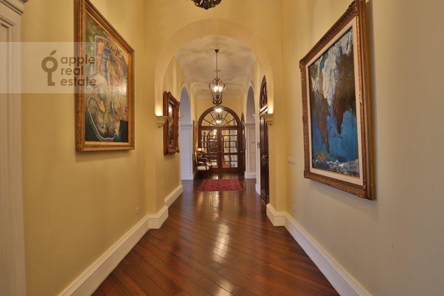 Corridor of the 6-room apartment at Ivan'kovskoe shosse 5