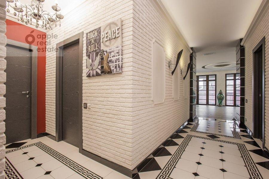 Corridor of the 4-room apartment at Fadeeva ul. 4A