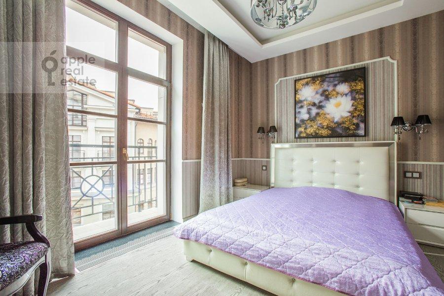 Bedroom of the 4-room apartment at Fadeeva ul. 4A