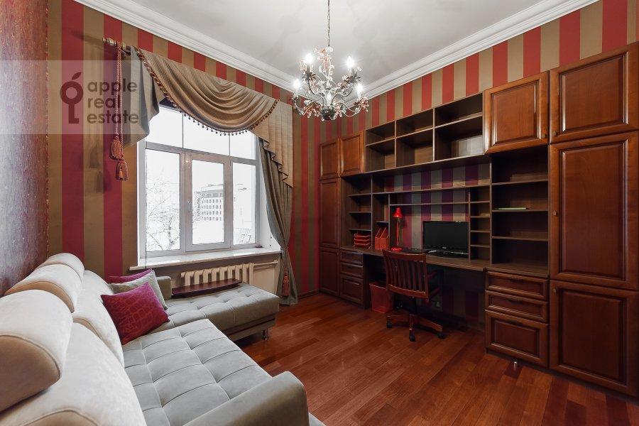 Детская комната / Кабинет в 4-комнатной квартире по адресу Покровка 42с6