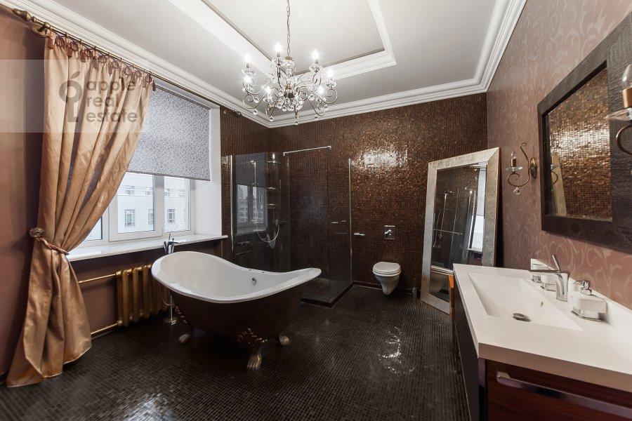 Санузел в 4-комнатной квартире по адресу Покровка 42с6