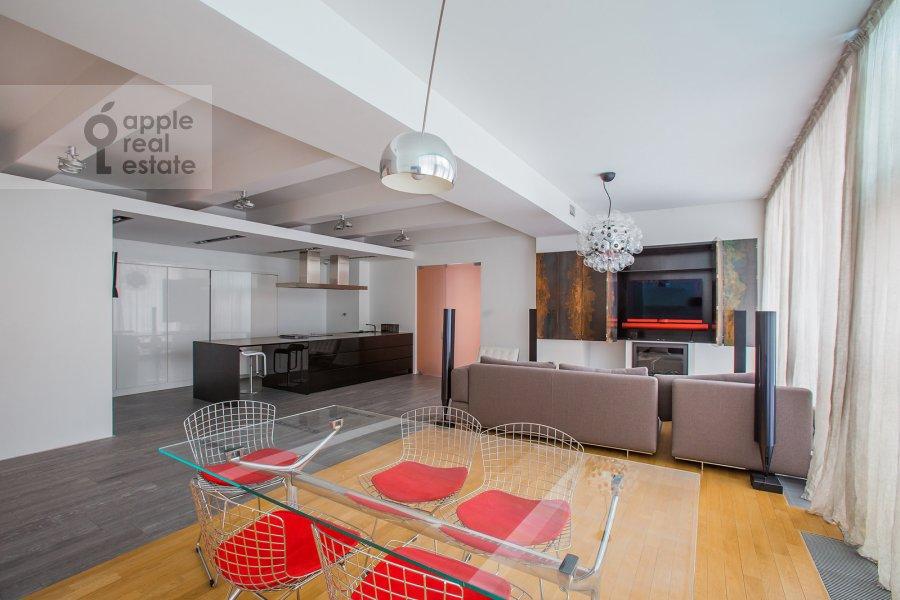 Гостиная в 4-комнатной квартире по адресу Климашкина 17С2