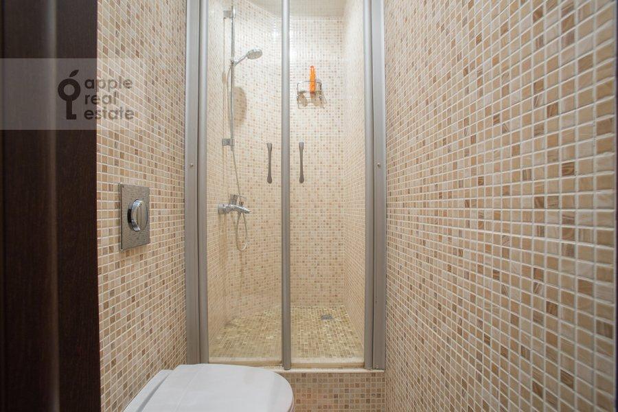 Санузел в 5-комнатной квартире по адресу Страстной бульв. 4с3
