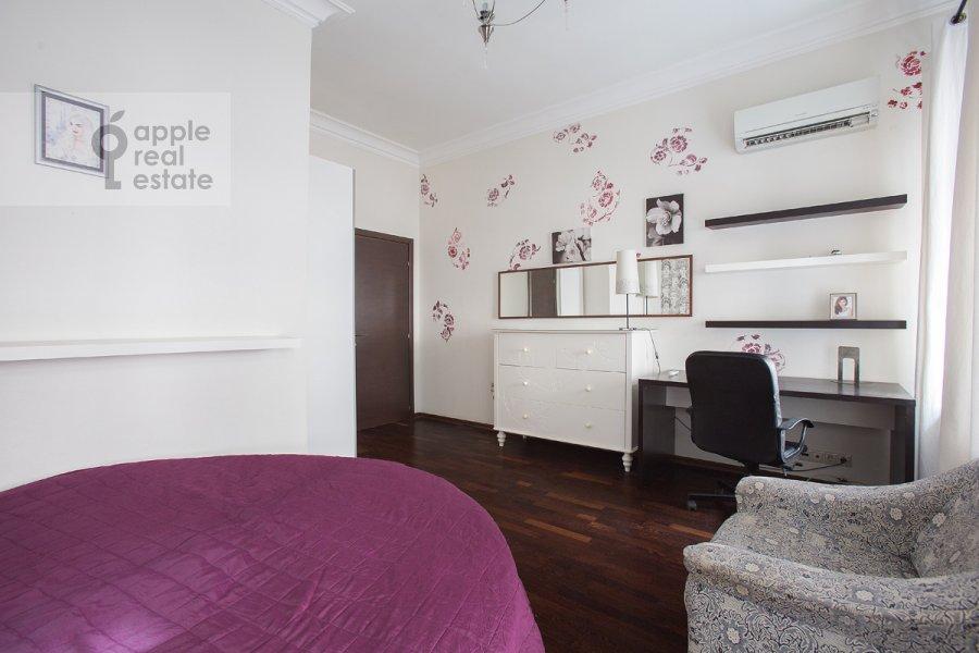 Спальня в 5-комнатной квартире по адресу Страстной бульв. 4с3
