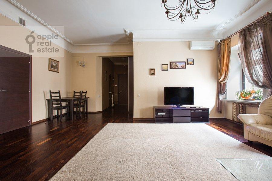 Гостиная в 5-комнатной квартире по адресу Страстной бульв. 4с3