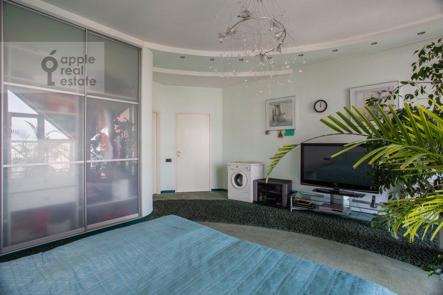 Гостиная в 4-комнатной квартире по адресу Ленинский проспект 116к1