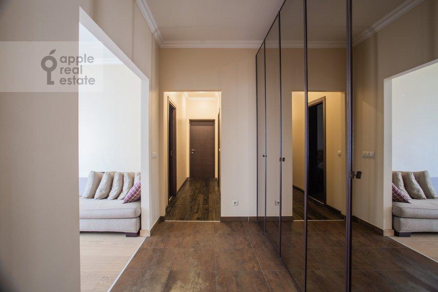 Коридор в 3-комнатной квартире по адресу Мичуринский пр-т. 3