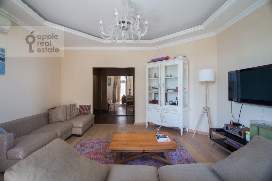 Гостиная в 3-комнатной квартире по адресу Мичуринский пр-т. 3