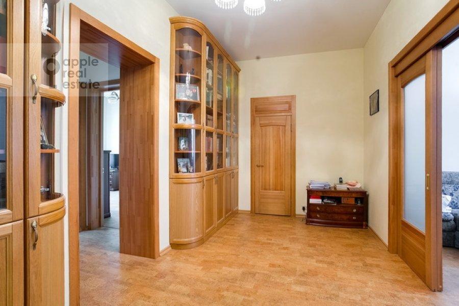 Коридор в 3-комнатной квартире по адресу Спиридоновка 19