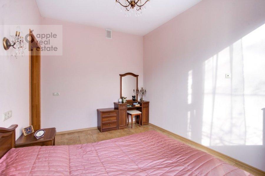 Bedroom of the 3-room apartment at Spiridonovka 19