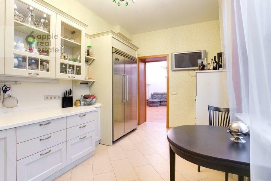 Кухня в 3-комнатной квартире по адресу Спиридоновка 19