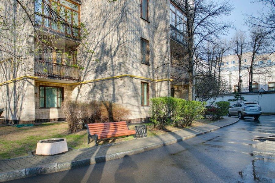 Фото дома 3-комнатной квартиры по адресу Спиридоновка 19
