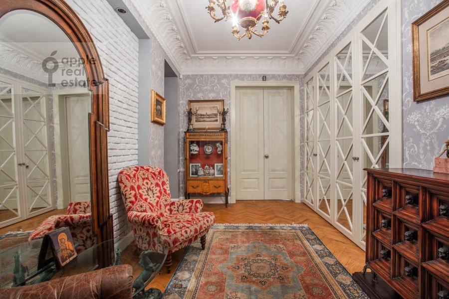 Corridor of the 4-room apartment at Spiridon'evskiy pereulok 12/9