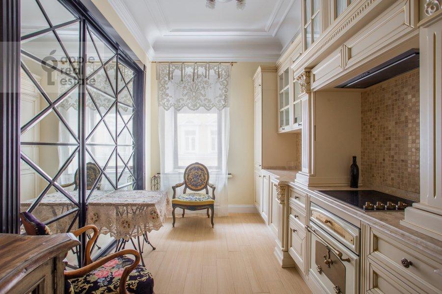 Kitchen of the 4-room apartment at Spiridon'evskiy pereulok 12/9