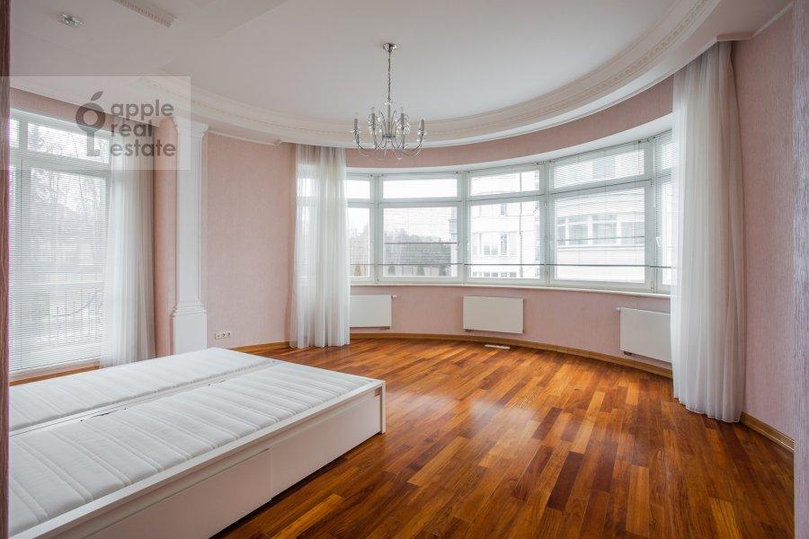 Living room of the 6-room apartment at Beregovaya ul. 4k3