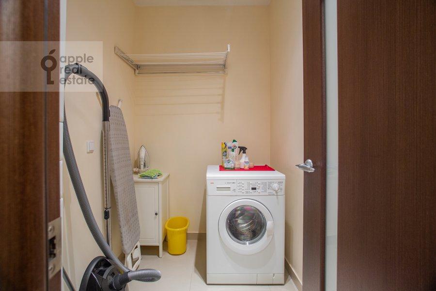 Гардеробная комната / Постирочная комната / Кладовая комната в 3-комнатной квартире по адресу Казачий 2-й пер. 4 с 1