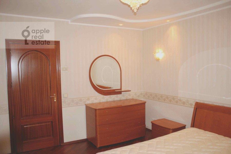 3-room apartment at Udal'tsova ul. 87S3